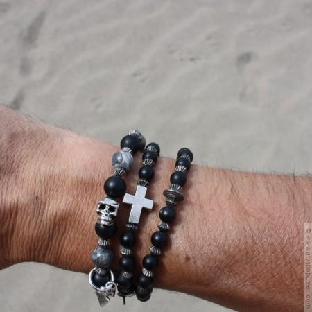 Bracelet homme perle et tete de mort
